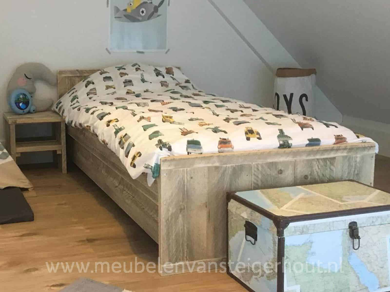 Kinderbed pleun meubelen van steigerhout for One of a kind beds