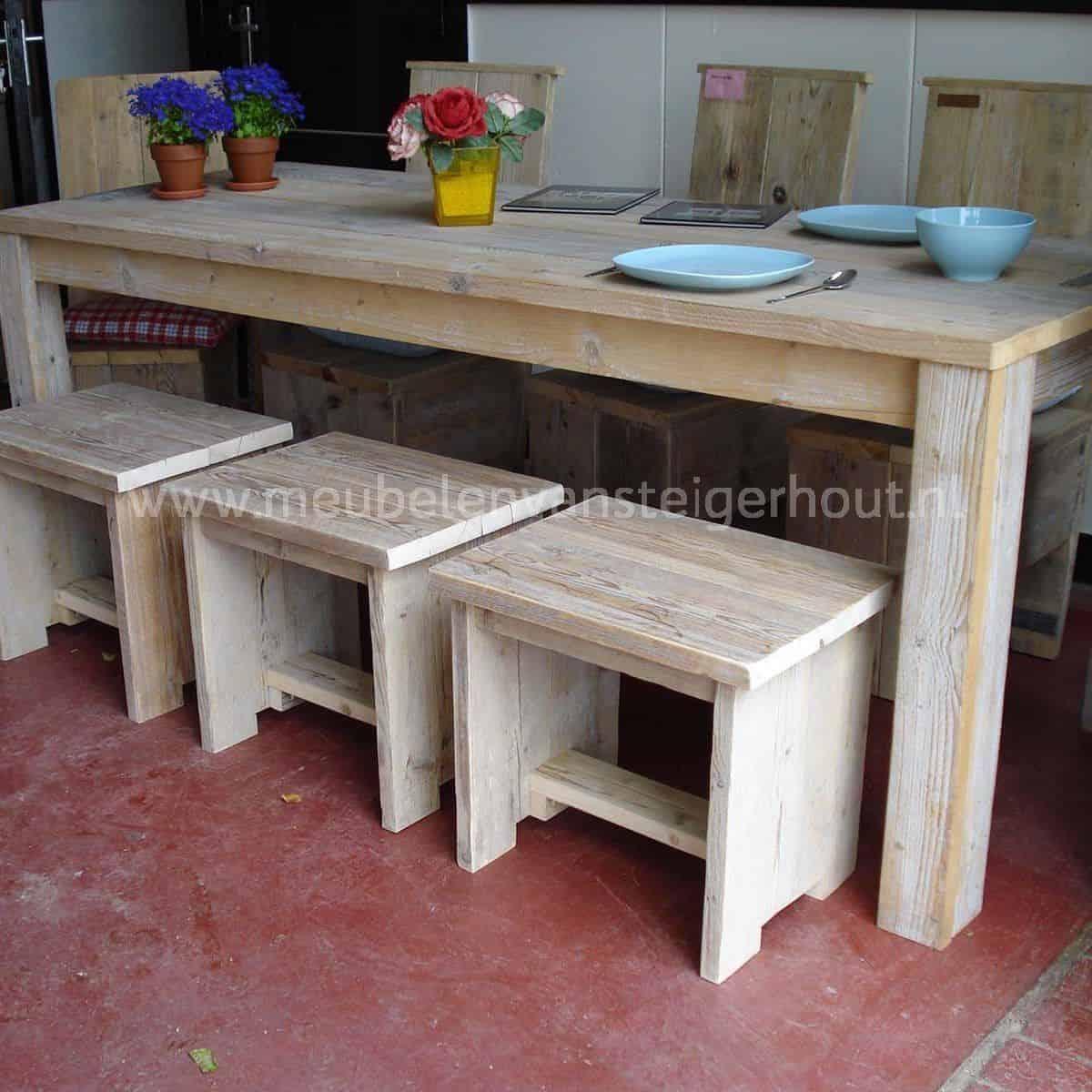 Kruk dolfijn meubelen van steigerhout for Bijzettafel steigerhout