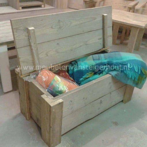 Steigerhouten dekenkist ook te gebruiken als steigerhouten speelgoedkist of steigerhouten klepbank