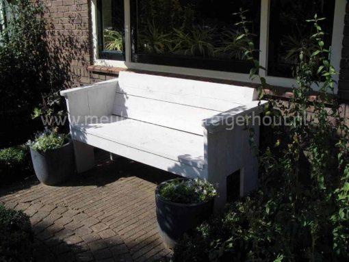 Mooie simpele stoere tuinbank van steigerhout.