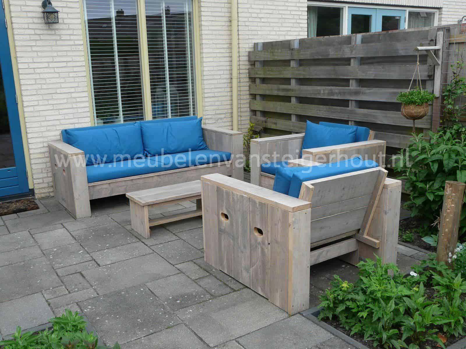 Loungebank steigerhout In the picture