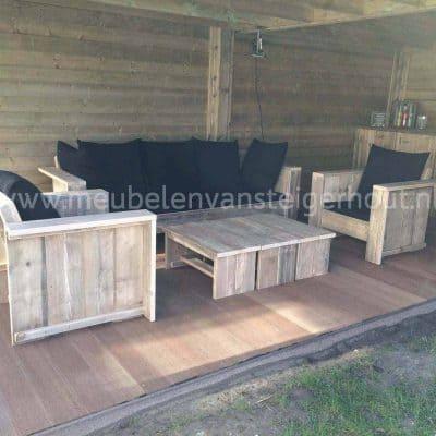 Loungebank Parijs van steigerhout. Stoer stevig en voor de lange levensduur.