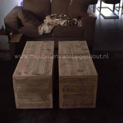 Hocker van steigerhout als bijzettafel, salontafel of kruk