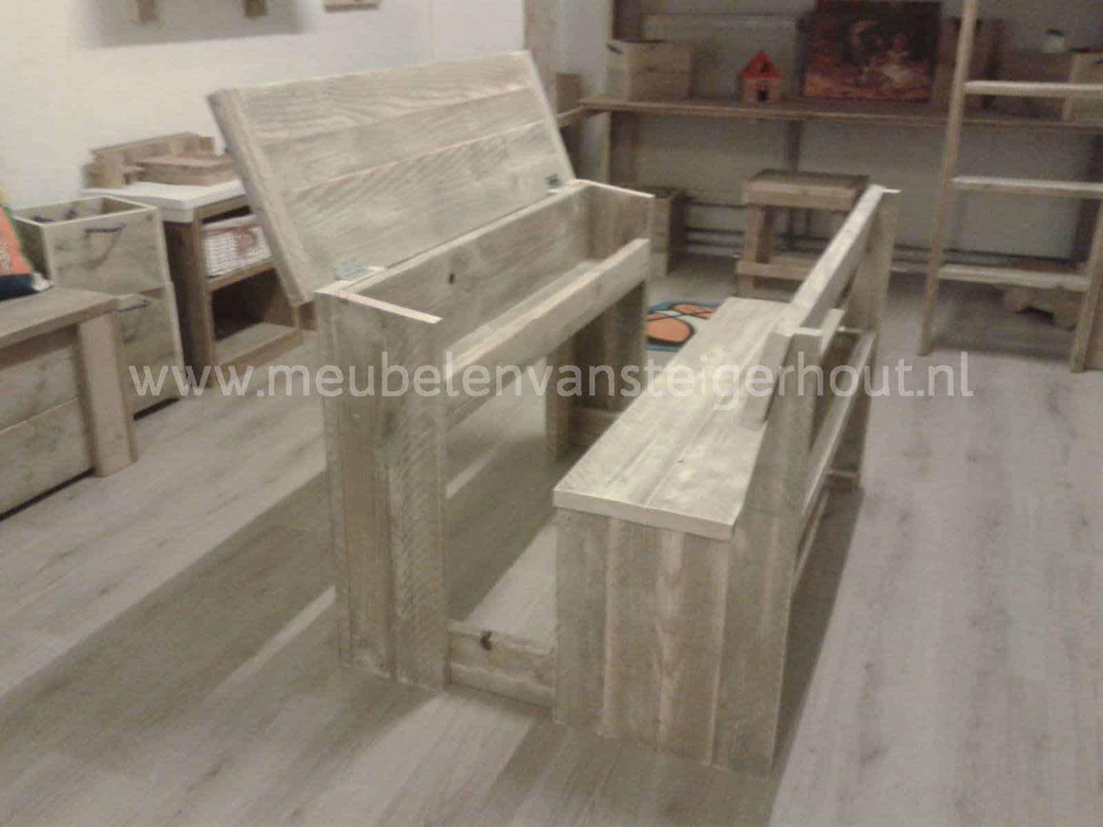 Schoolbank van steigerhout meubelen van steigerhout - Kantoor houten school ...
