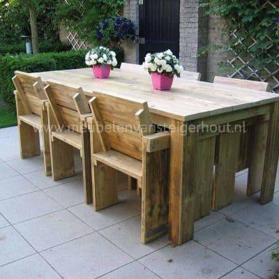Tuinstoel van steigerhout voor aan de tafel, voor binnen en buiten