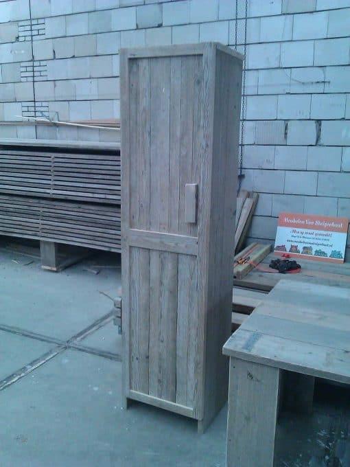 Badkamerkast gebruikt steigerhout type 4. Kwaliteitskast met een deur en vakken. Maatwerk kast 3