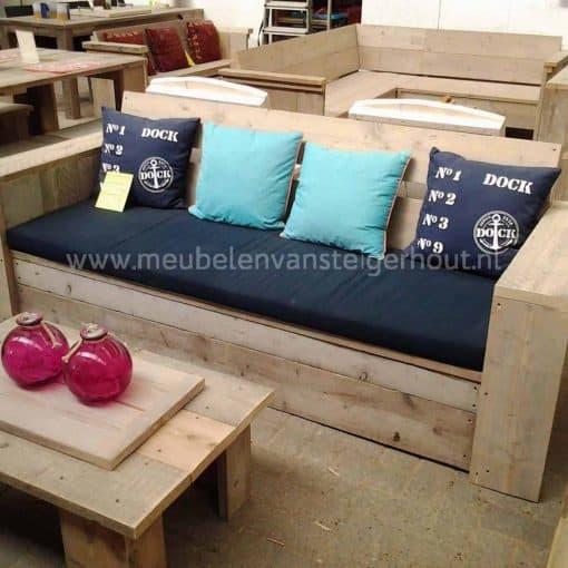 Simpele loungebank van steigerhout. Scherpe prijs!