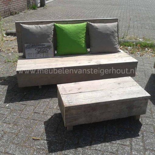 Simpele loungebank van steigerhout zonder armleuningen