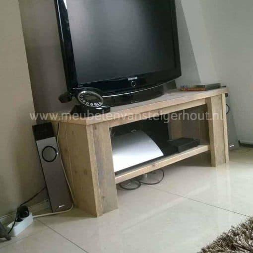Steigerhouten TV meubel met 2 vakken meubelen van steigerhout Huizen