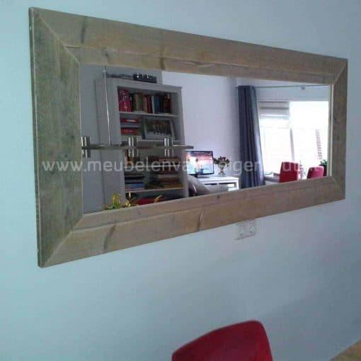 Lijst van steigerhout voor spiegel