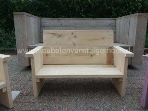 Leuke loungebank van steigerhout voor kinderen
