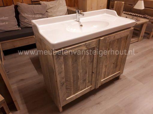 Wastafelmeubel voor Ikea wastafel van meubelen van steigerhout uit Huizen het Gooi
