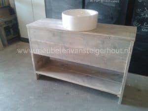 Badkamermeubel steigerhout type 8. Met ruimte voor sifon en lade
