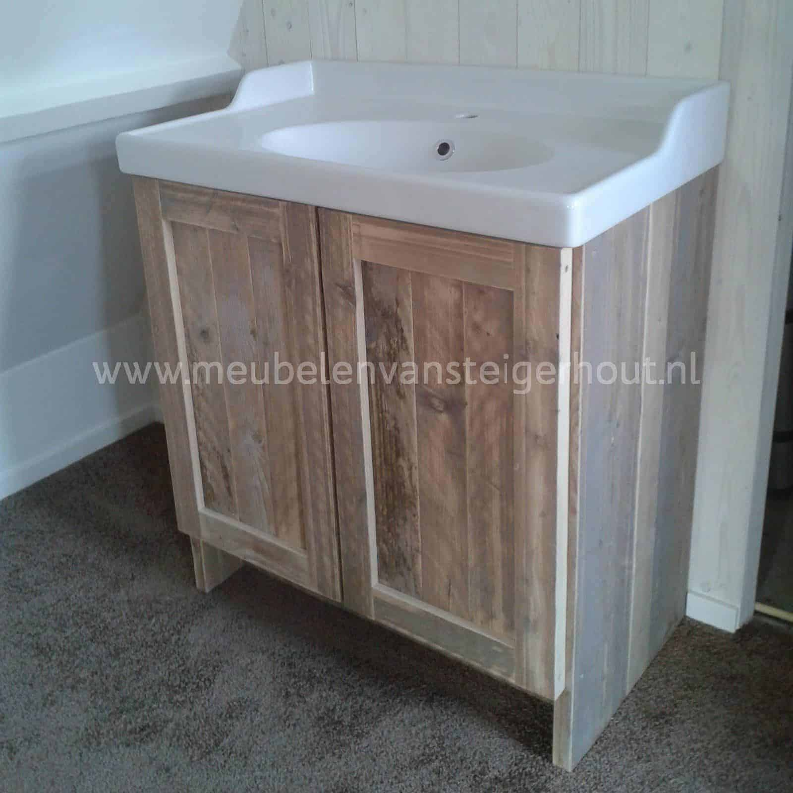 Badkamerkast steigerhout Gemaakt voor een ikea waskom