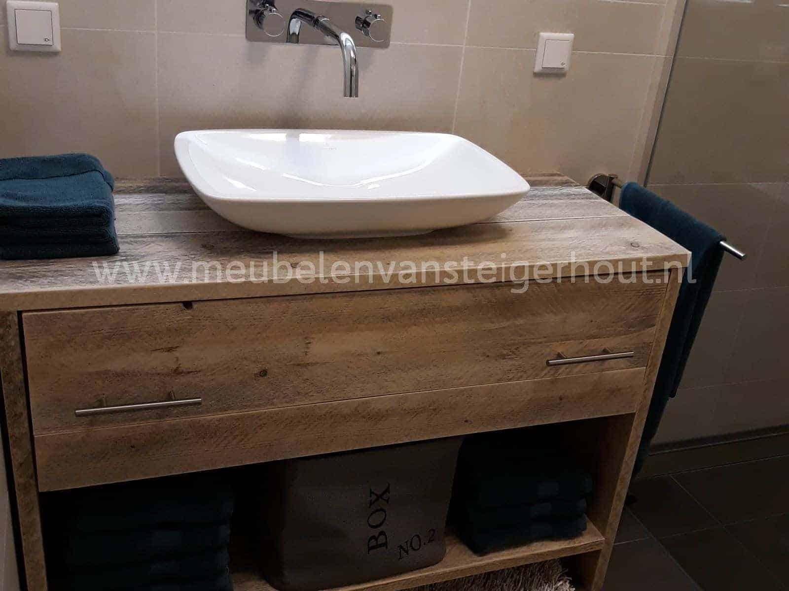 Badmeubel steigerhout met pe lade en onderplank 2 meubelen van