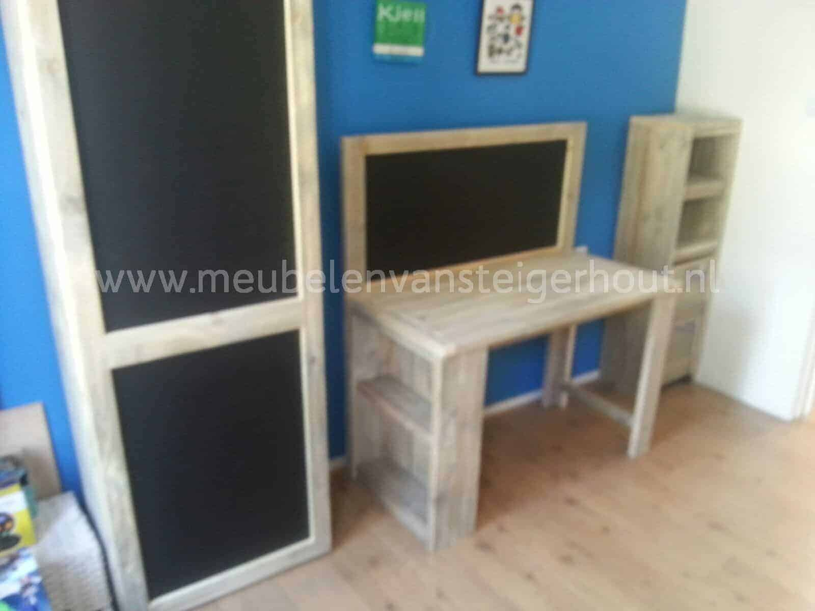Kast en bureau van steigerhout   Meubelen van Steigerhout