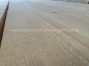Bij meubelen van steigerhout kunnen de meubelen worden gemaakt van nieuw steigerhout