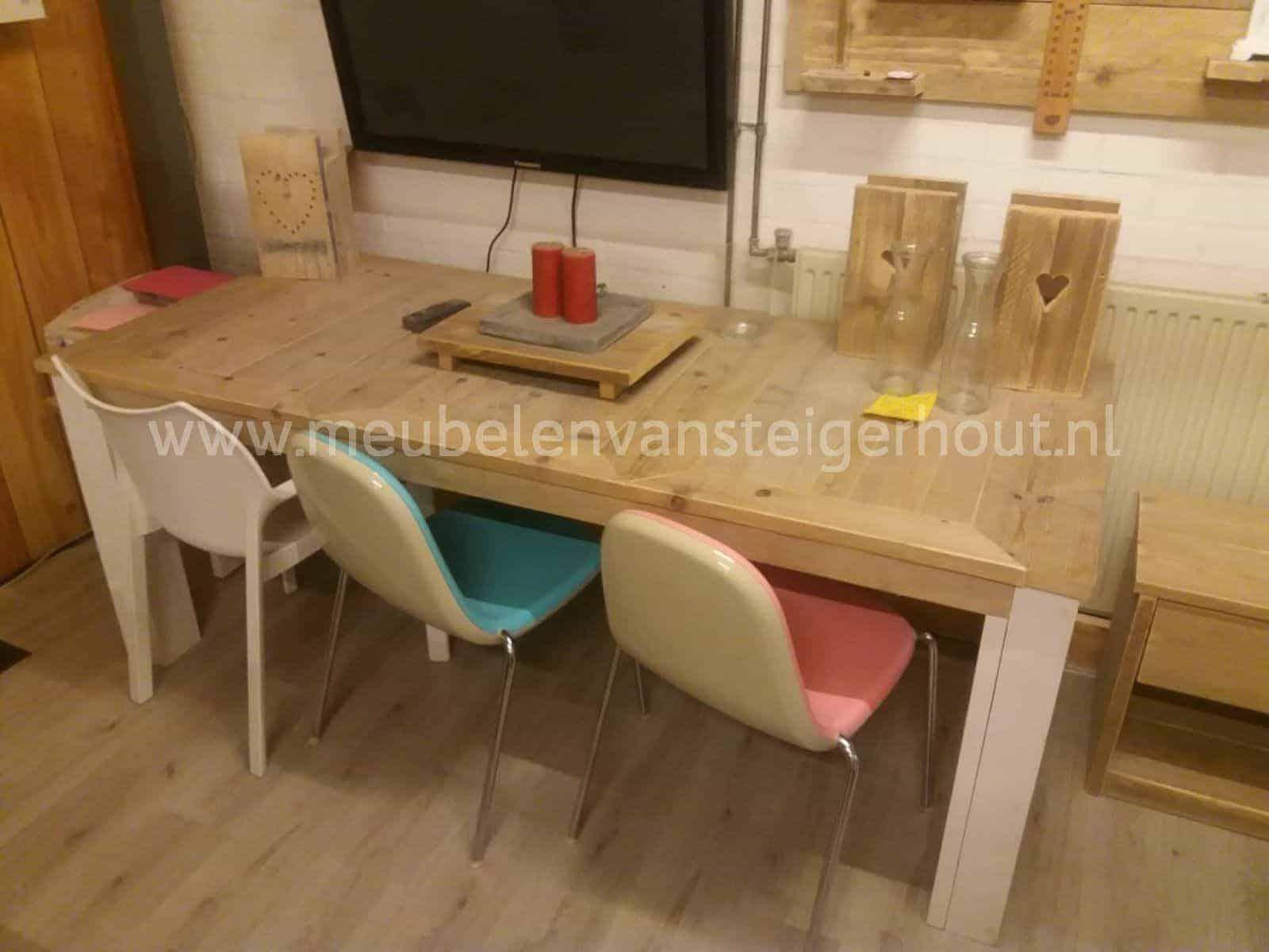 Sale steigerhout tafel 210×90 cm met 3x verstek meubelen van