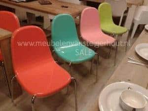 Italiaanse design gekleurde stoelen
