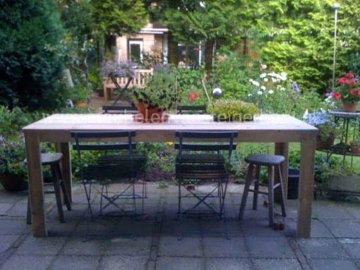 Steigerhouten tuintafel met 4 bisrostoelen