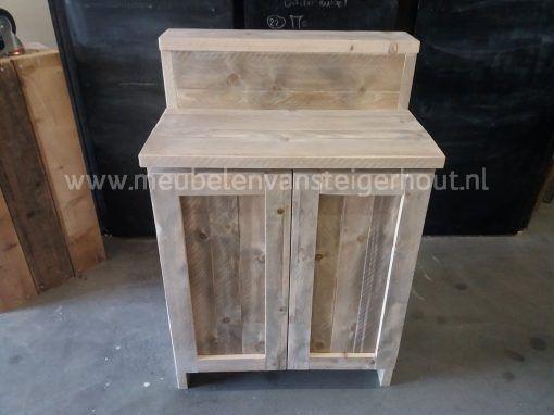 Badkamermeubel steigerhout met verhoging en deuren 1