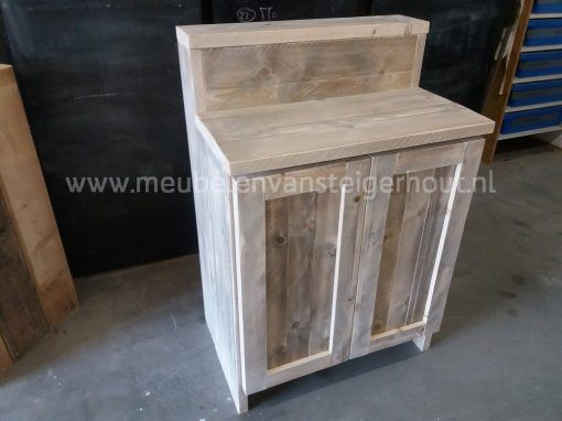 Steigerhouten badmeubel met opstaande rand en 2 deuren