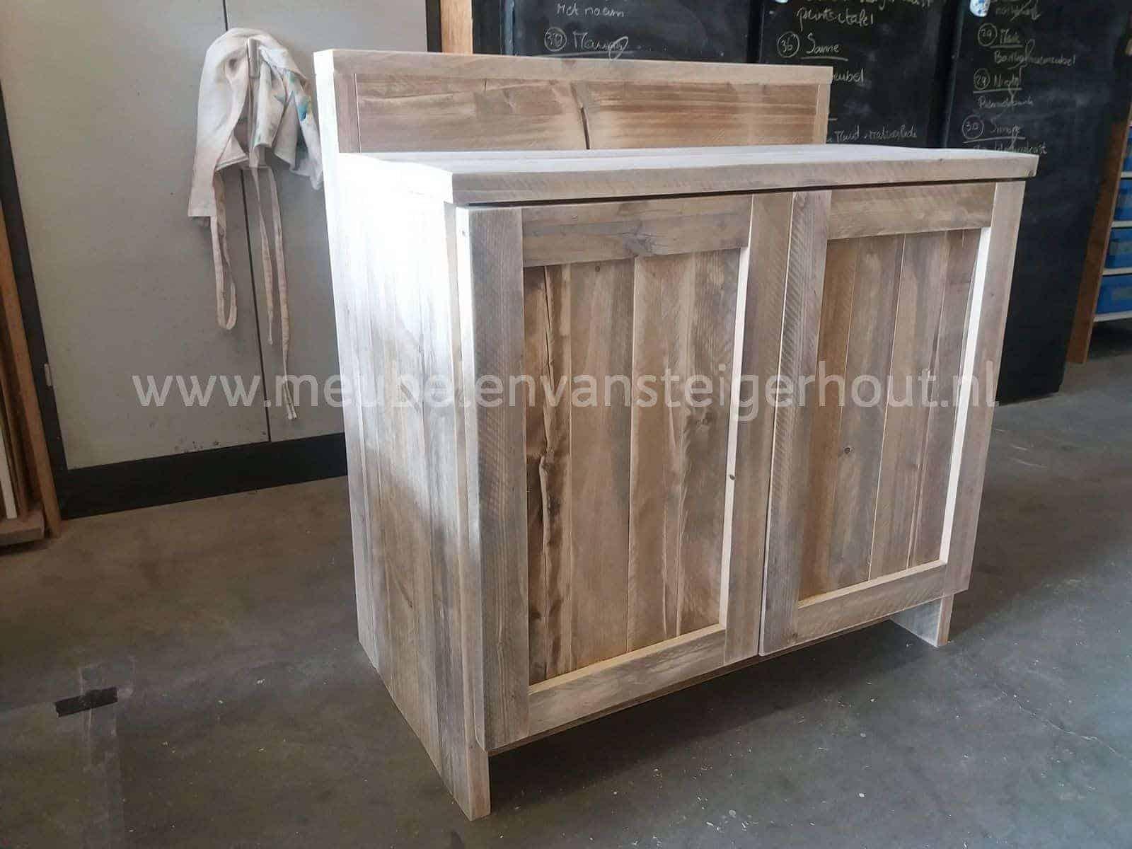 badkamermeubel steigerhout met verhoging meubelen van steigerhout