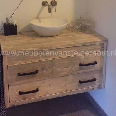 Steigerhout badmeubel zwevend met laden met spiegel