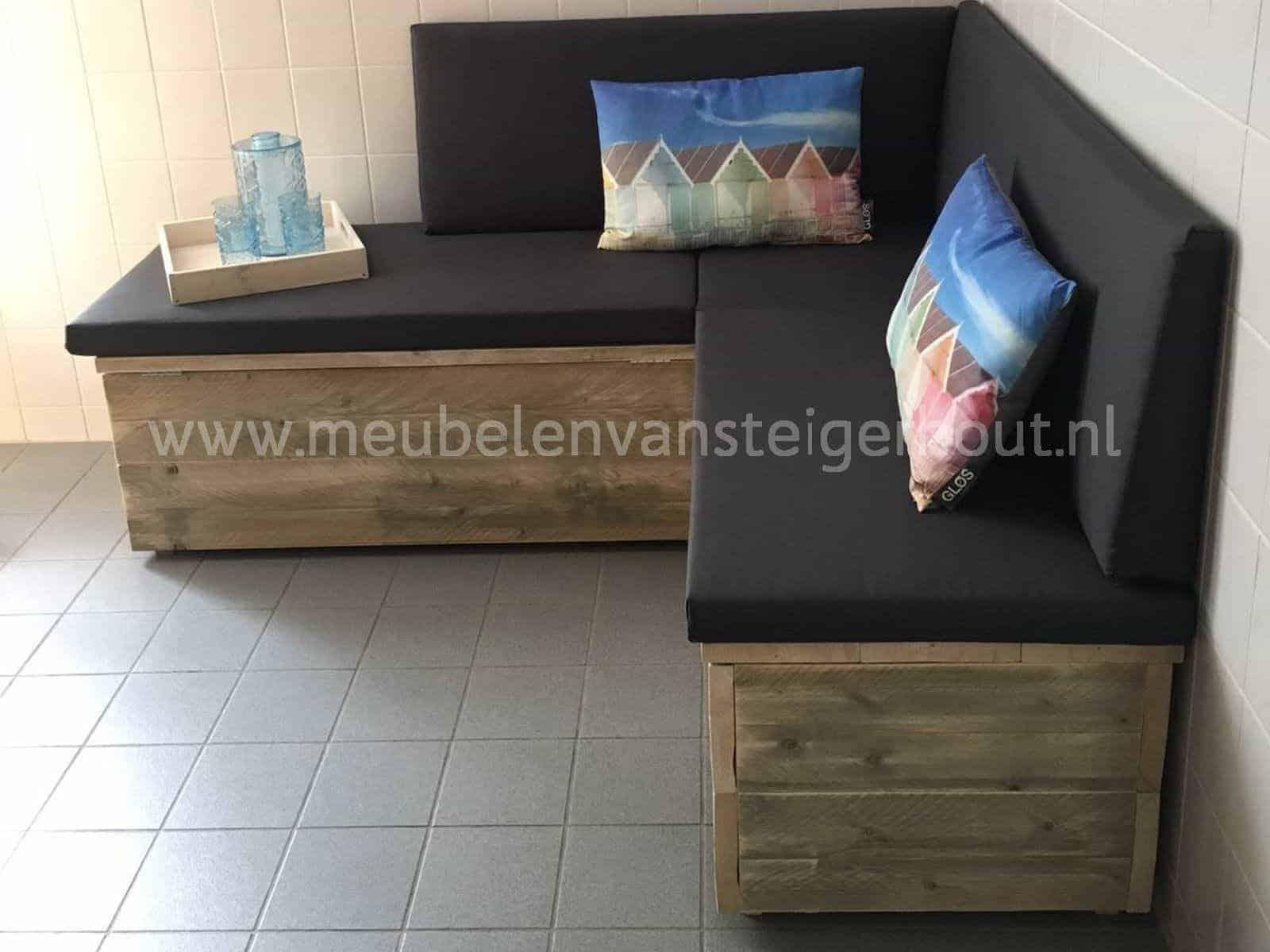 Steigerhout Meubel Kussens.Kist Steigerhout Met Kussens Het Gooi1 Meubelen Van Steigerhout