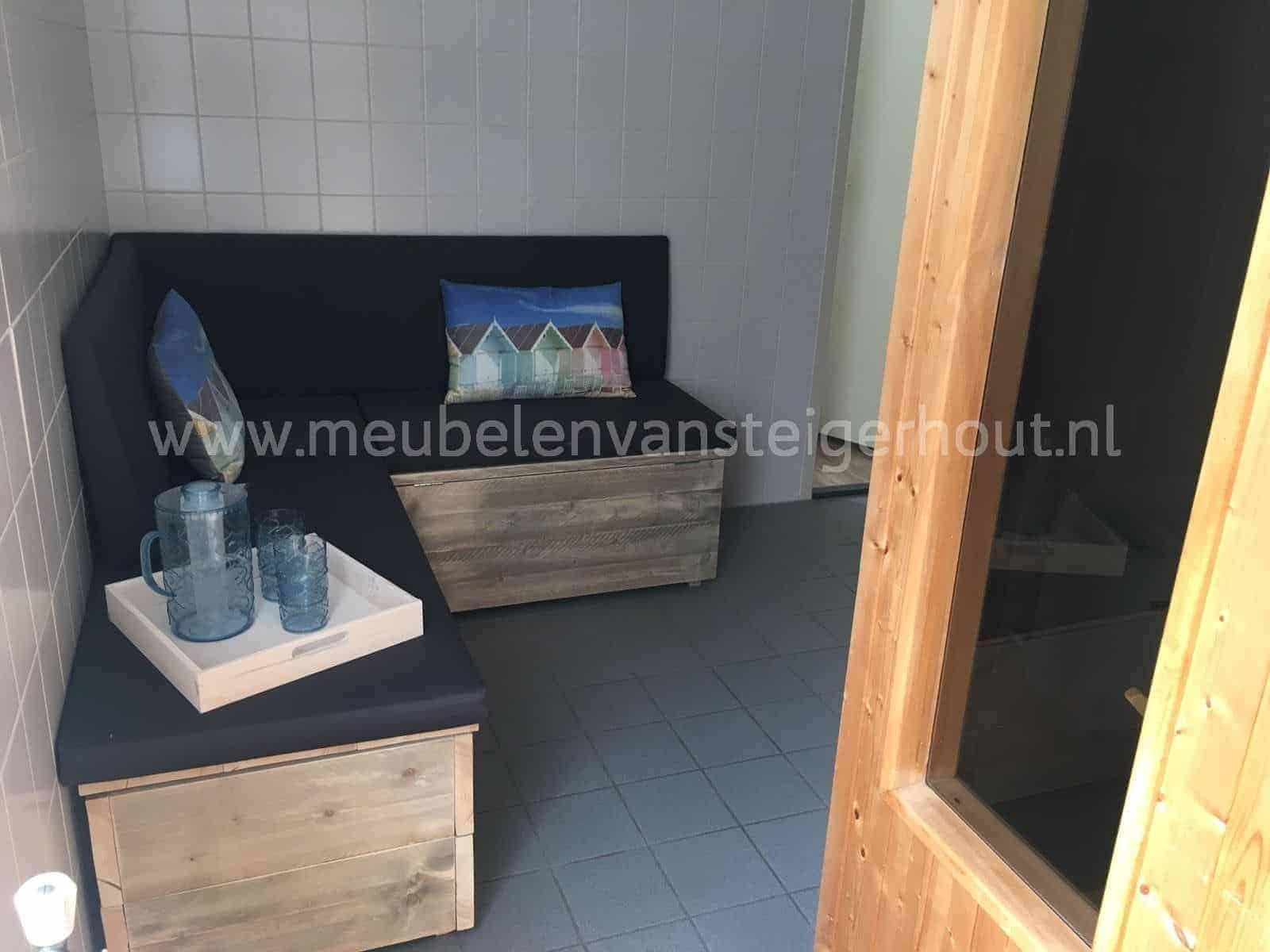 Steigerhout Meubel Kussens.Kist Steigerhout Met Kussens Het Gooi2 Meubelen Van Steigerhout