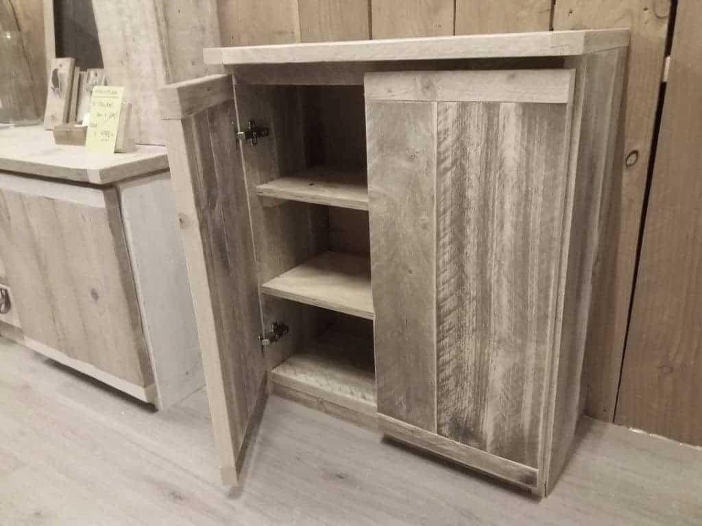 Sale steigerhouten meubelen for Meubel sale