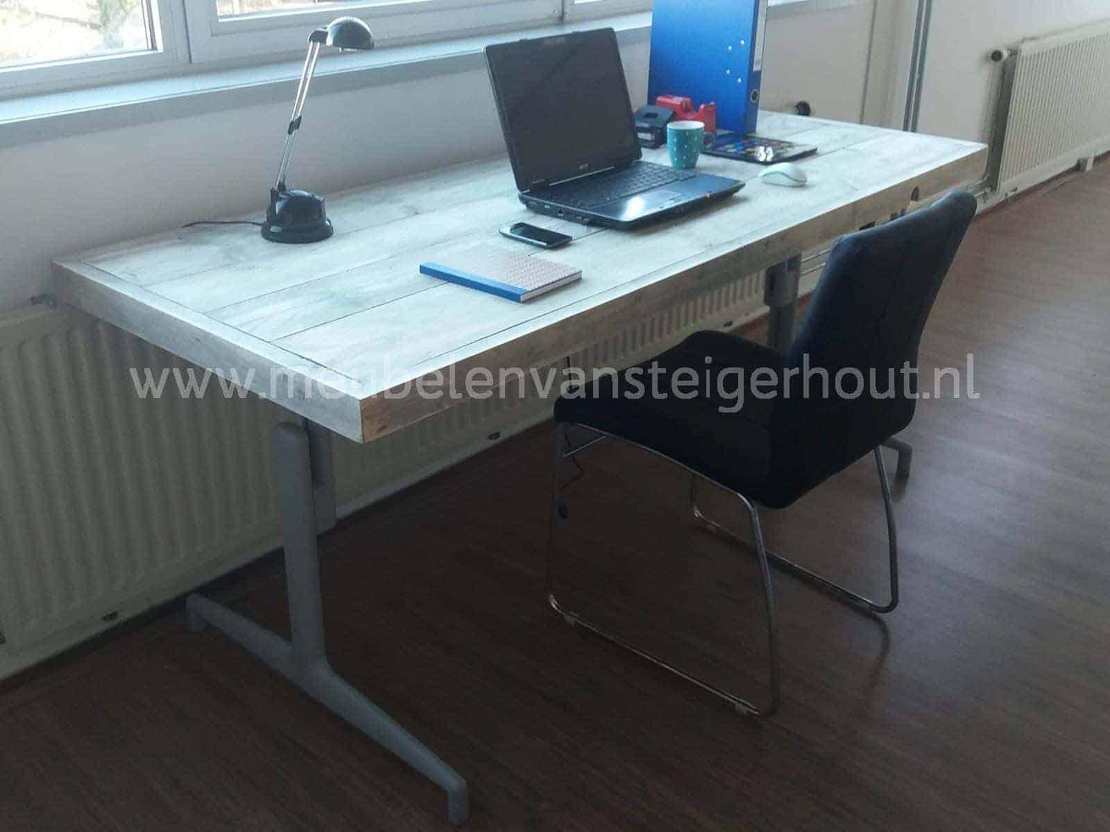 Steigerhouten bureau in hoogte verstelbaar meubelen van steigerhout