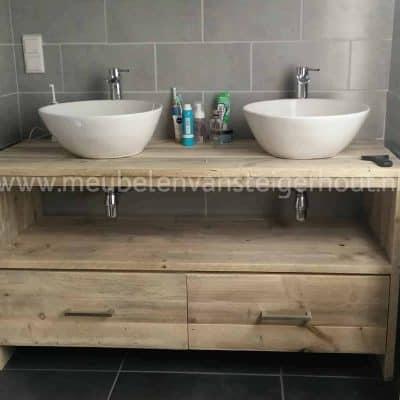 Steigerhouten badmeubel met 2 laden en handdoeken vak