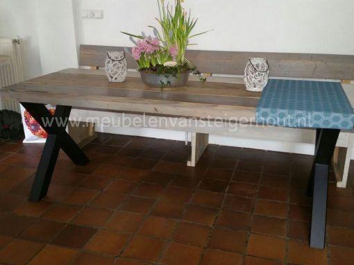 Tafel met metalen kruispoot industriele tafel 2