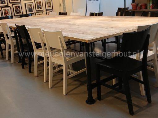 Steigerbuis tafel met zwarte steigerbuis 3