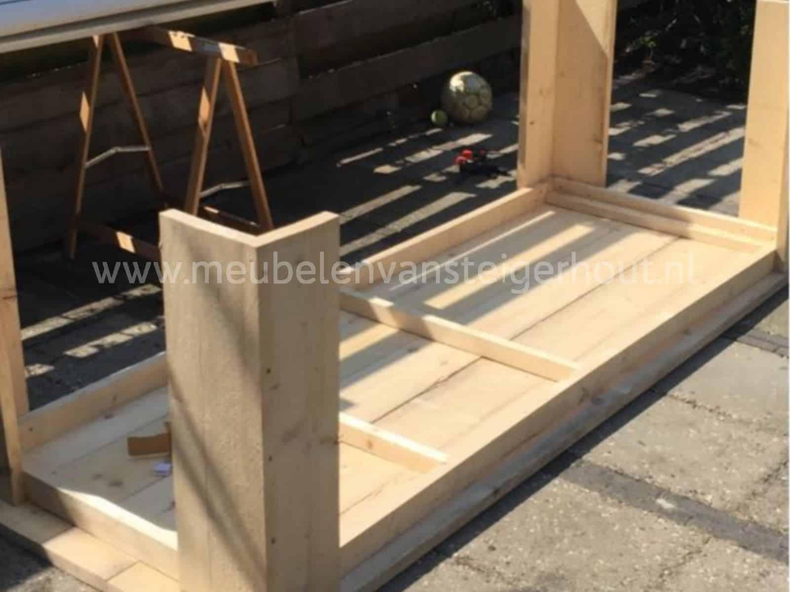Doe het zelf tafel 100 cm breed meubelen van steigerhout for Zelf tafel maken hout