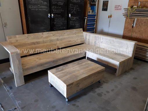 Steigerhout hocker met dikke planken en wielen2