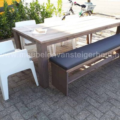 Tafel douglas steigerhout met picknickbank