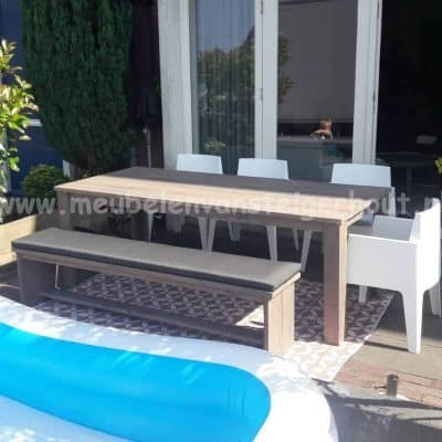 Douglas steigerhout tafel met picknickbank en box stoelen