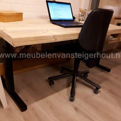 Black Friday Industrieel bureau steigerhout