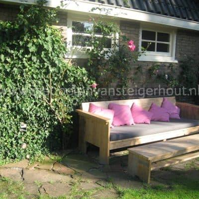Steigerhout bijzettafel en steigerhout loungetafel voor buiten